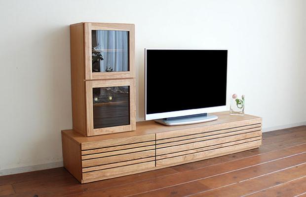 ロータイプですっきりしたデザインのTVボード